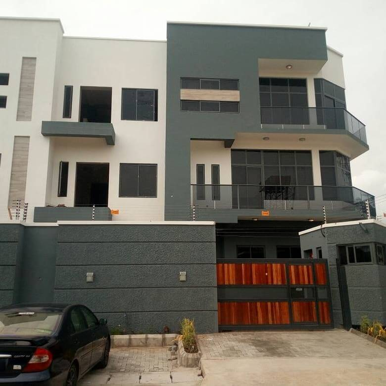 4 Bedrooms en-suite Duplex For Sale ₦9M