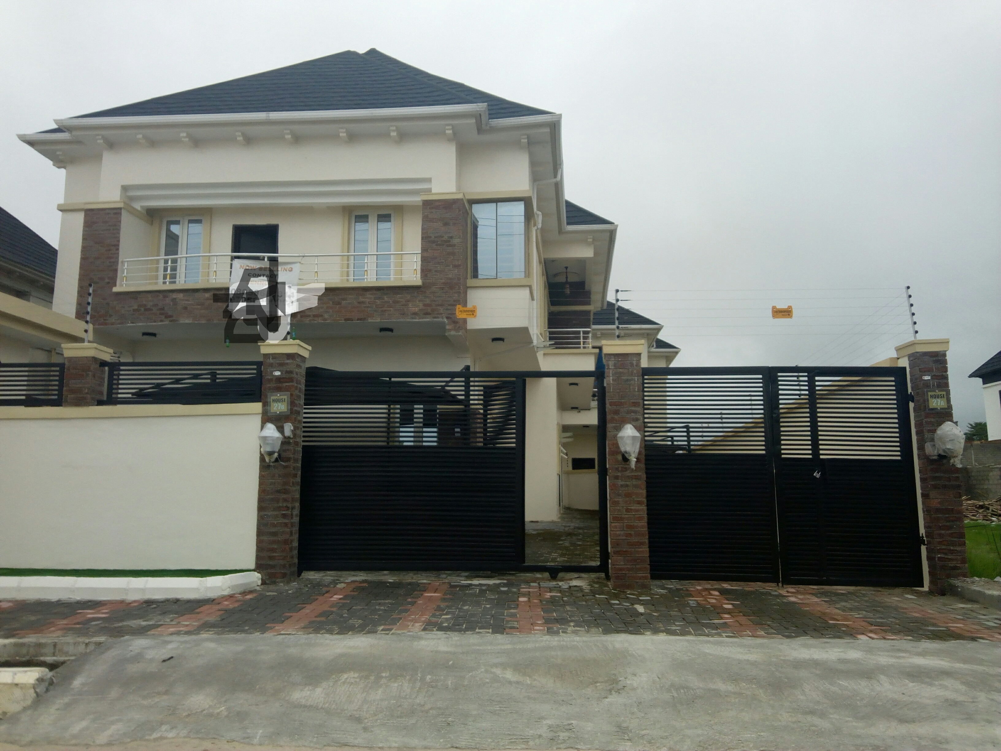 5 Bedroom Detached House for Sale @ Chevy View  ₦85M